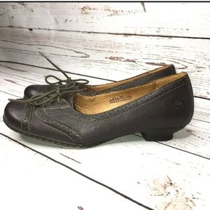Born lace up genuine leather shoes size 6.5M